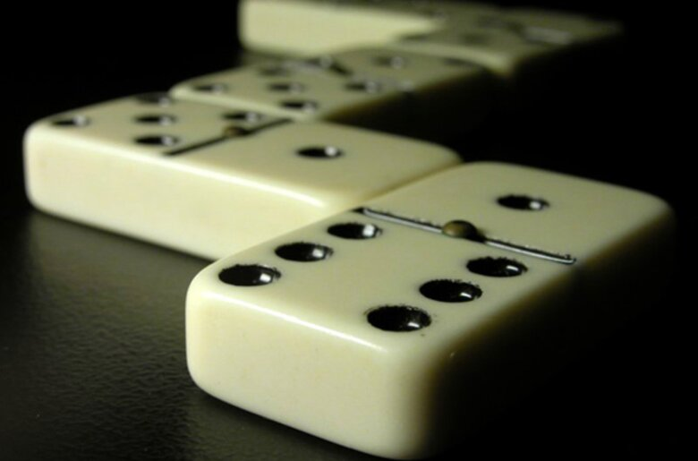 Dominoes 1 780 515